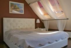 zaciszna, prywatna sypialnia w apartamencie w okolicach Legnicy na sprzedaż
