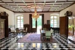 eleganckie wnętrze luksusowego pałacu do sprzedaży w województwie opolskim