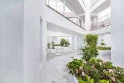 nowoczesne rozwiązania architektoniczne w luksusowym apartamencie do sprzedaży Hiszpania (Malaga, Casares)