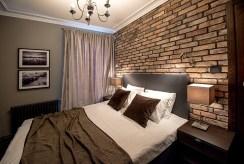 elegancka i prestiżowa sypialnia w luksusowym apartamencie na wynajem Kraków