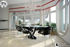 na zdjęciu nowoczesna jadalnia w luksusowej willi na sprzedaż Katowice