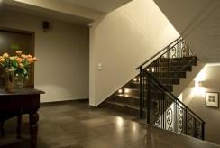 duży korytarz w ekskluzywnej willi na sprzedaż Szczyrk