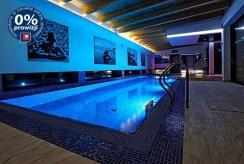 komfortowy basen przy luksusowej willi do sprzedaży Wrocław