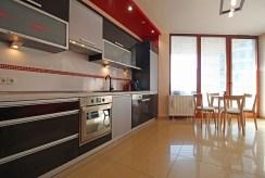 urządzona i zabudowana kuchnia w luksusowym apartamencie do sprzedaży Kraków
