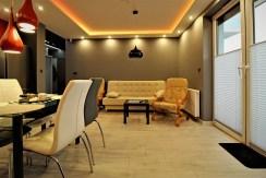 fragment salonu w luksusowym apartamencie do wynajmu Kraków