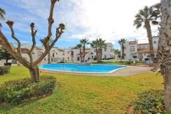 widoj na basen przy ekskluzywnej willi do sprzedaży Hiszpania (Costa Blanca, Torrevieja)