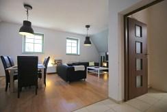 widok na przestronne wnętrze luksusowego apartamentu do wynajmu Szczecin
