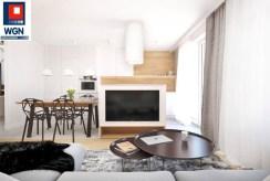 na zdjęciu salon w luksusowym apartamencie na sprzedaż Gdańsk