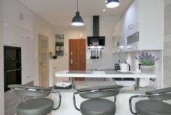 elegancki aneks kuchenny w luksusowym apartamencie do wynajmu Kwidzyn