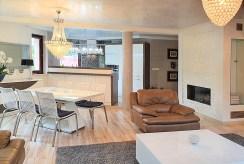 widok na komfortowe wnętrze w luksusowym apartamencie do sprzedaży Ustroń