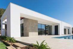 widok od strony basenu na luksusową willę do sprzedaży Hiszpania (Jave)