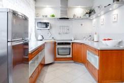 zabudowana kuchnia w ekskluzywnej willi do sprzedaży Inowrocław