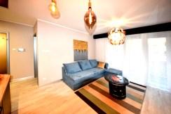 jeden z komfortowych pokoi w luksusowym apartamencie na wynajem Inowrocław