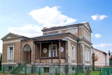 rzut od strony ogrodu i tarasu na luksusowy pałac do sprzedaży lubuskie