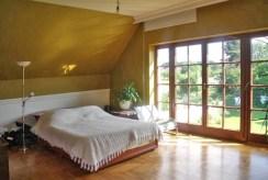 zaciszna, elegancka sypialnia w luksusowej rezydencji na sprzedaż Wrocław (okolice)
