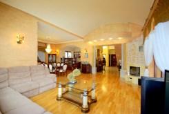 elegancki salon w ekskluzywnej willi do sprzedaży Legnica (okolice)
