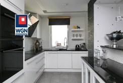 praktycznie urządzona kuchnia w ekskluzywnym apartamencie na sprzedaż Trójmiasto