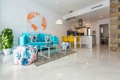 komfortowy salon w luksusowej willi na sprzedaż Hiszpania (Costa Blanca Orihuela Costa, Villamartin)