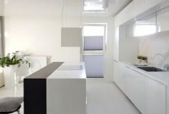 rzut z innej perspektywy na komfortowe wnętrze luksusowego apartamentu na sprzedaż Szczecin