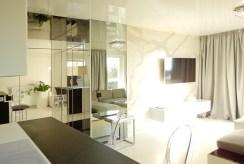 fragment salonu ekskluzywnego apartamentu na sprzedaż Szczecin
