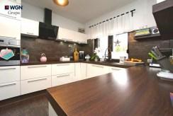 praktycznie zabudowana kuchnia w luksusowej willi na sprzedaż Konin (okolice)