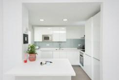 Zabudowana kuchnia w ekskluzywnym apartamencie na sprzedaż Hiszpania