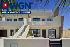 nowoczesna architektura apartamentowca, w którym znajduje się oferowany na sprzedaż luksusowy apartament Pilar De La Horadad (Hiszpania)