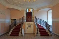 eleganckie wnętrze luksusowego pałacu na sprzedaż Poznań