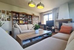 prestiżowy pokój dzienny z kominkiem w luksusowej willi na sprzedaż Wieluń (okolice)
