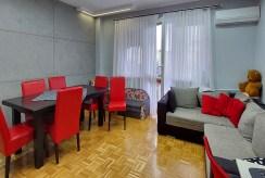 przeciwległa strona ekskluzywnego salonu w luksusowym apartamencie do sprzedaży Piotrków Trybunalski