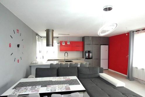 minimalistyczny design pokoju dziennego w ekskluzywnej willi do sprzedaży Ostrów Wielkopolski (okolice)