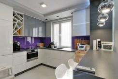 funkcjonalnie zabudowana kuchnia w luksusowym apartamencie na sprzedaż Tarnów