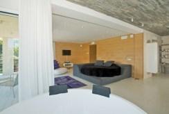 elegancki salon w luksusowej willi na sprzedaż Hiszpania