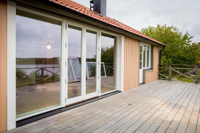 Fasta fönster och helglasad parfönsterdörr från Ekstrands