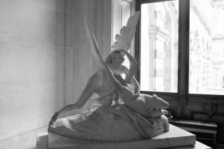 Canova Le Baiser dans le Musée du Louvre