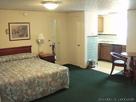 erie hotels