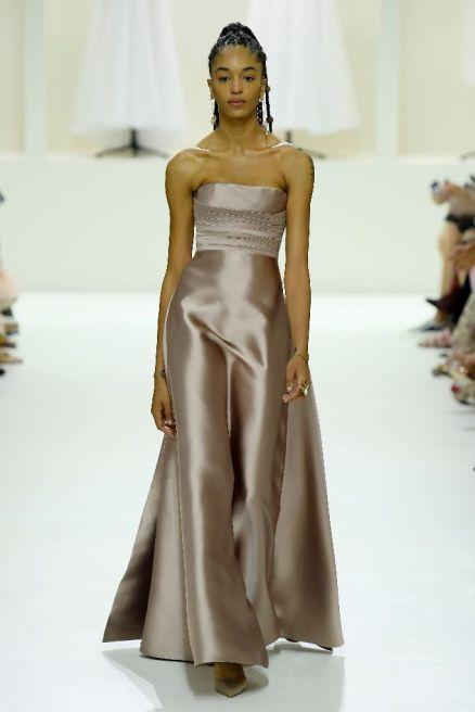 Christian Dior24