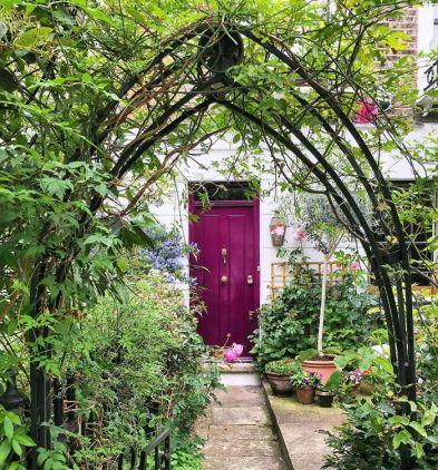 colorful-front-doors-photography-london-bella-foxwell-5-5c36f9de88271__700