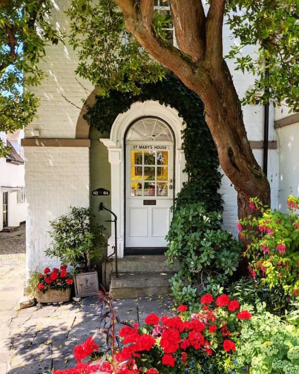 colorful-front-doors-photography-london-bella-foxwell-89-5c36fa8d8f355__700
