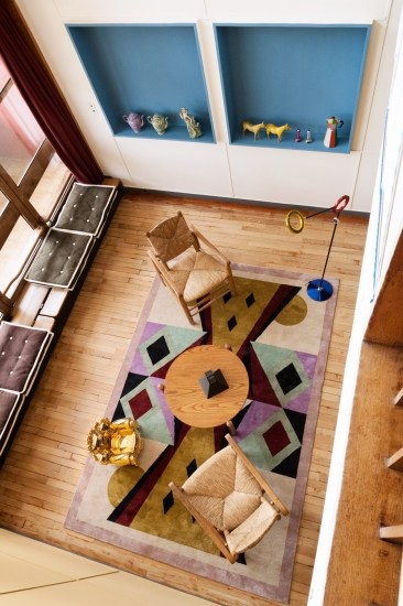 appartement-50-alessandro-mendini-cite-radieuse-corbusier_dezeen_936_11