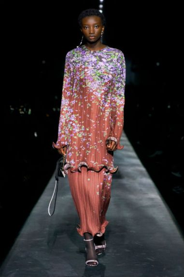 Givenchy-aw19-fw19-floral-trend-plisse
