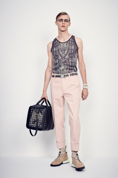 dior-perforated-cannage-bags-07-800x1200