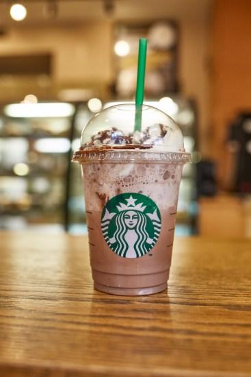 Starbucks-Christopher-Vee-Ozon-Magazine--18