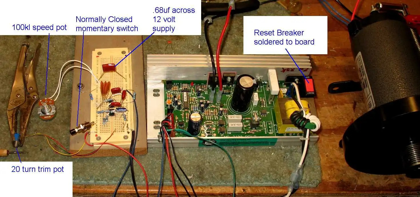 hight resolution of here s a pic of my breadboarded circuit using terry s dual 555 timer circuit