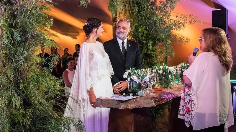 ¿Por qué no se podía usar celulares en el casamiento de Rial y Pereiro?