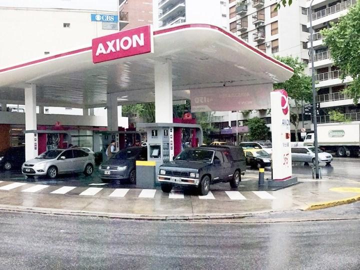 Desde el Instituto Argentino de Energía se respaldó el congelamiento de precios de naftas