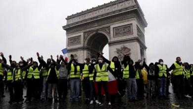 Photo of Los chalecos amarillos vuelven a salir a las calles de Francia