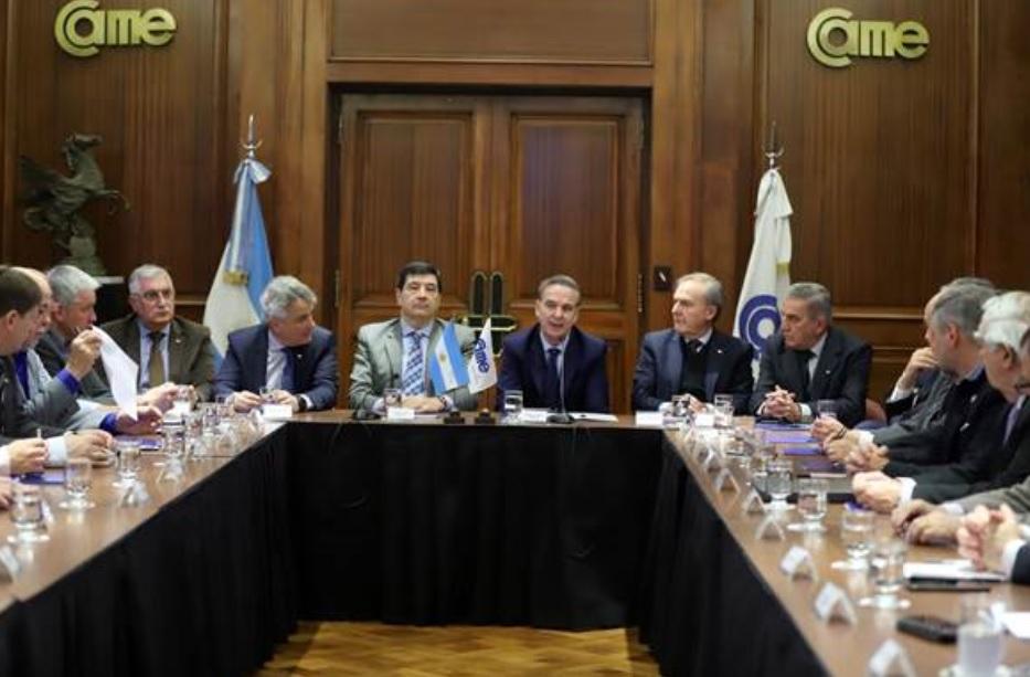 Pichetto: «Tenemos que abordar las relaciones laborales con modernización, productividad y competitividad»