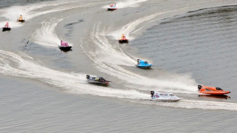 Competencia motonáutica sudamericana en Tucumán