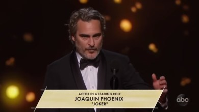 """Photo of """"Creemos que somos el centro del universo…"""" Joaquín Phoenix dio un discurso sobre la injusticia en los Oscar"""